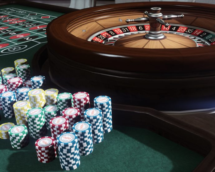 How is an online poker agent essential to hire?