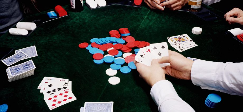 Play Poker To Stick Up The Job You Hate!