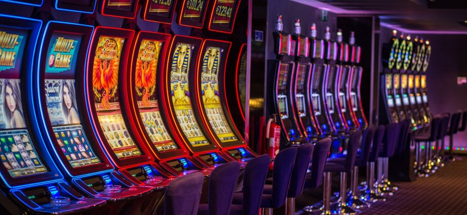 Being A Celebrity In Your Company Is An Issue Of Online Casino